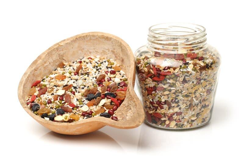 Matière première de jujube, de graine de coix, d'arachides et de rouge secs image stock