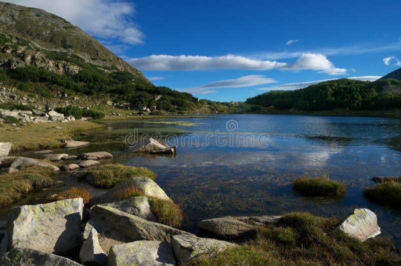 Matin d'été en montagne de Pirin image stock