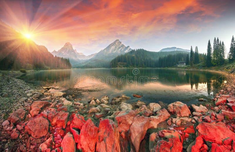 Matin d'automne d'Obersee de lac photographie stock