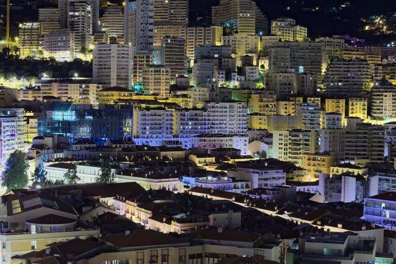 Matin dans la ville Les Chambres au Monaco sont très serrées photographie stock libre de droits