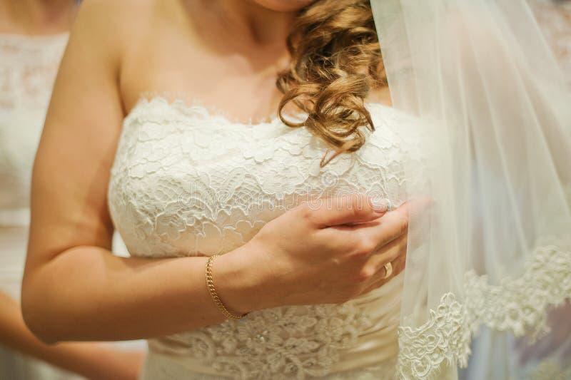 Matin de jeune mariée photographie stock