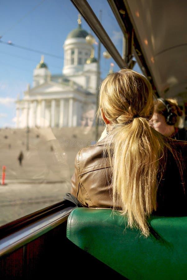 Matin paisible sur le tram à Helsinki, la Finlande photo stock
