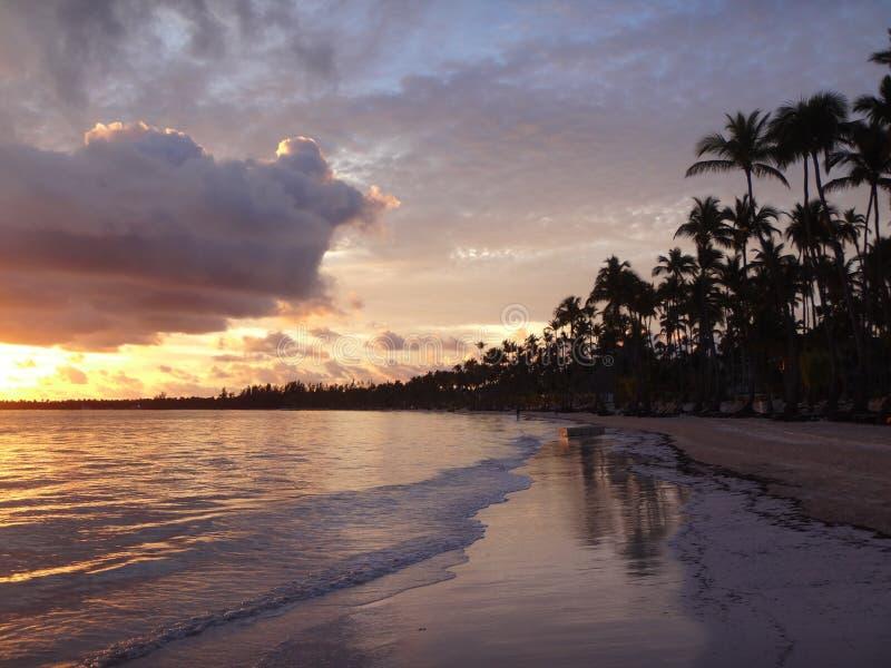 Matin sur la plage photographie stock libre de droits