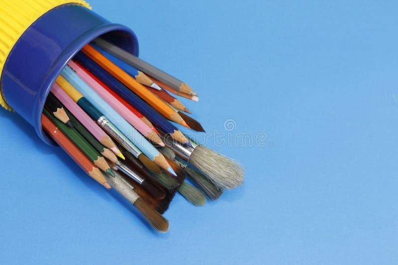 Matite e pennello di colore fotografia stock libera da diritti