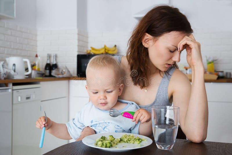Matka i dziecko je wpólnie zdjęcie stock