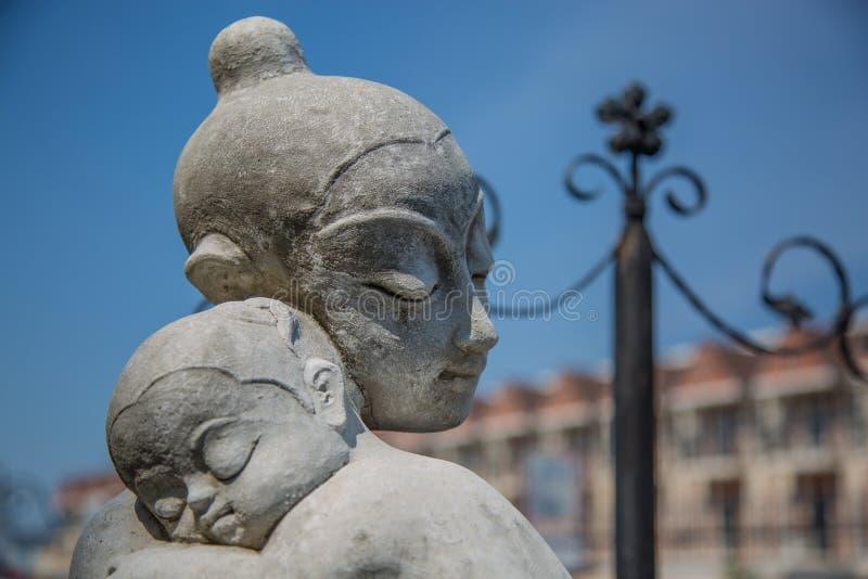 Matka i dziecko - lala stiuk zdjęcia royalty free