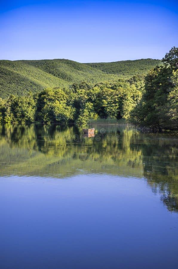 Matka jezioro Skopje zdjęcie stock