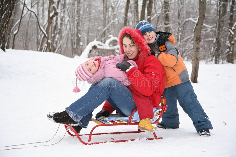 matki dziecka las zimy zdjęcie stock