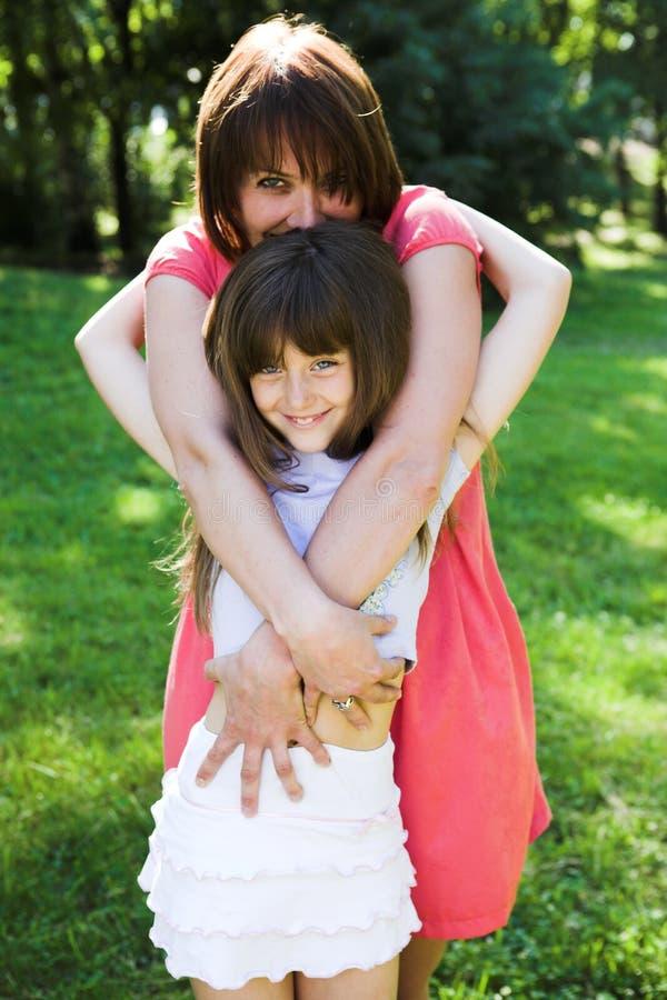 Matki i córki ja target612_0_ plenerowy zdjęcia stock