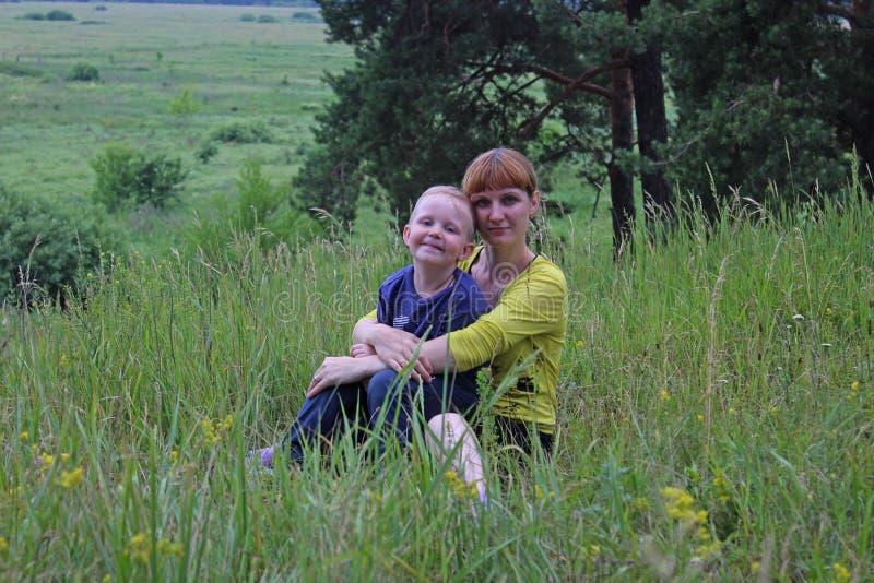 Matki i syna lato fotografia stock