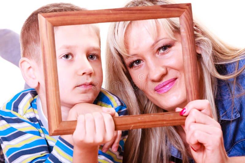 Matki i syna sztuka z pustą ramą zdjęcie stock