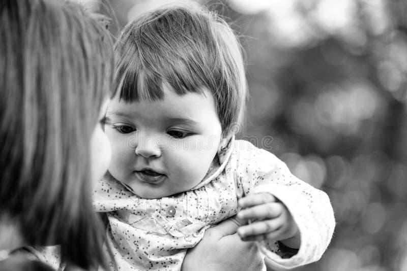 matkowanie dziewczynka dosyć obraz stock
