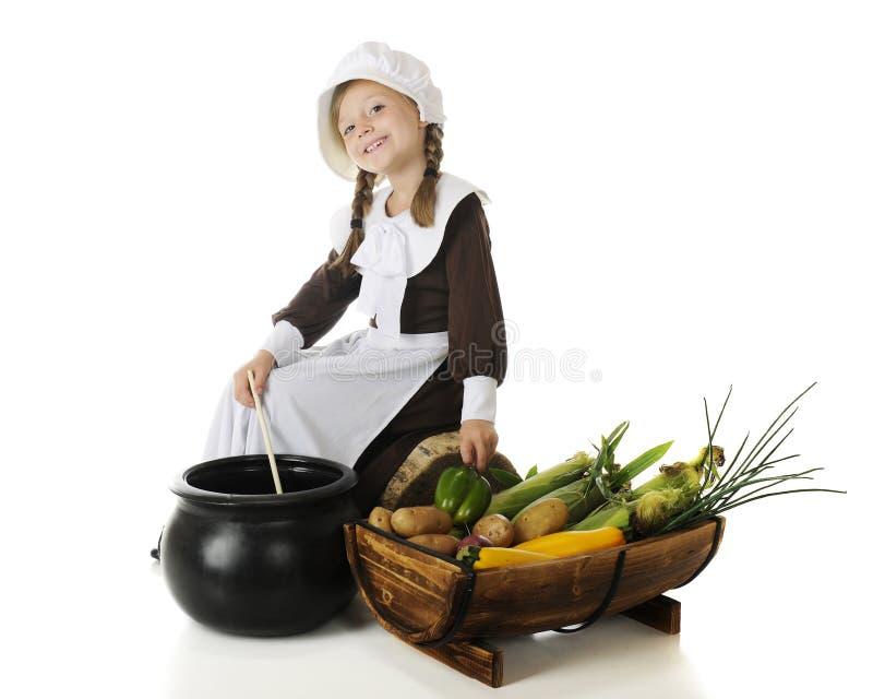 Matlagning för den första tacksägelsen royaltyfria bilder