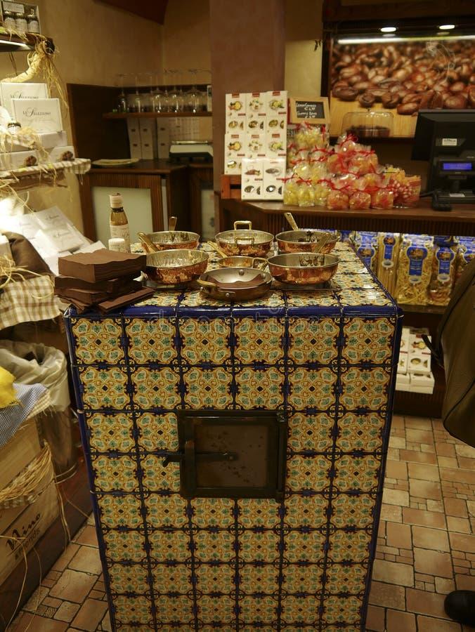 Matlagningdemonstration i Sorrento Italien arkivbild