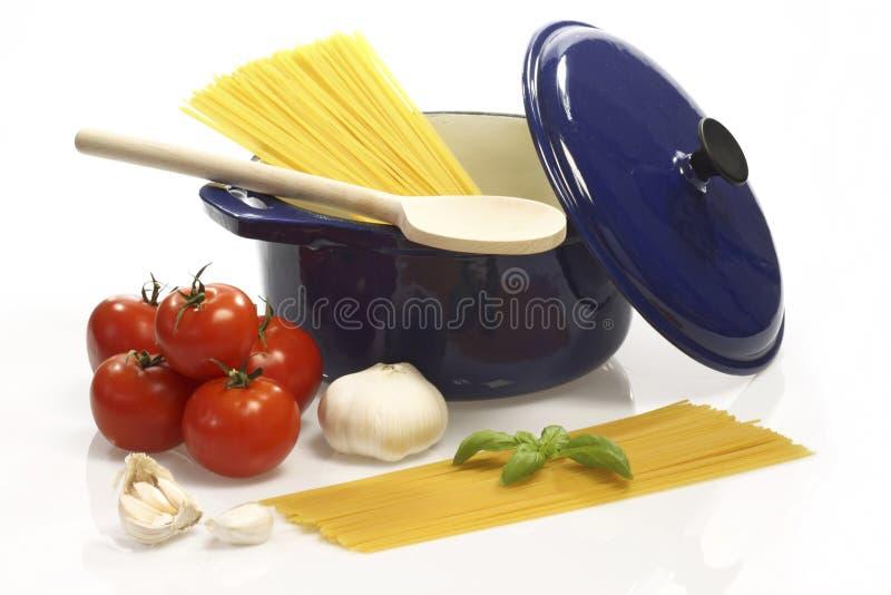 matlagningspagetti royaltyfria foton