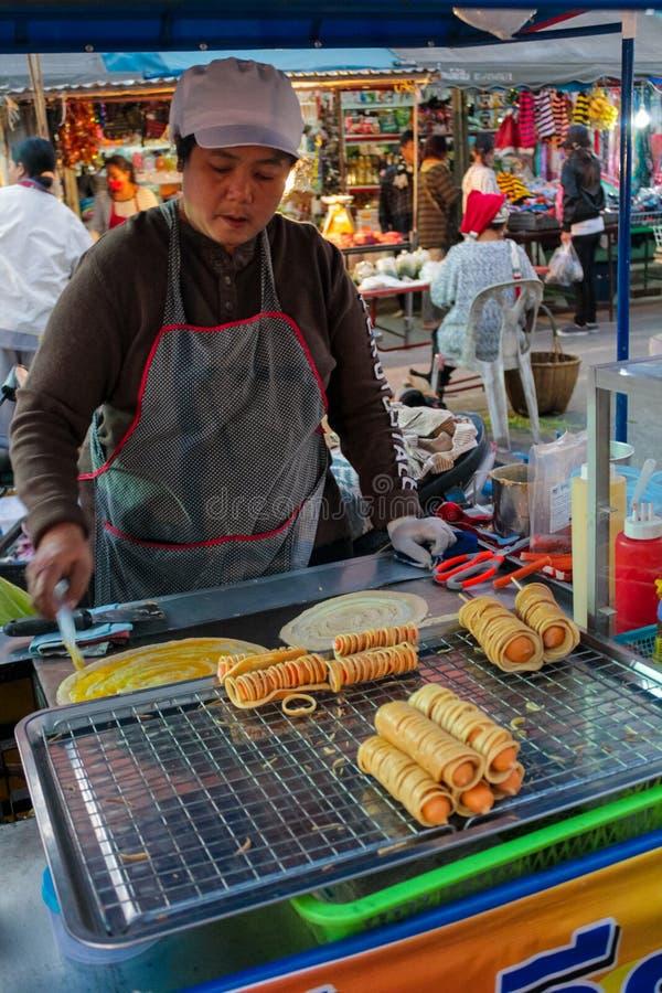 Matmarknad i Thailand, traditionell asiatisk marknad royaltyfria foton