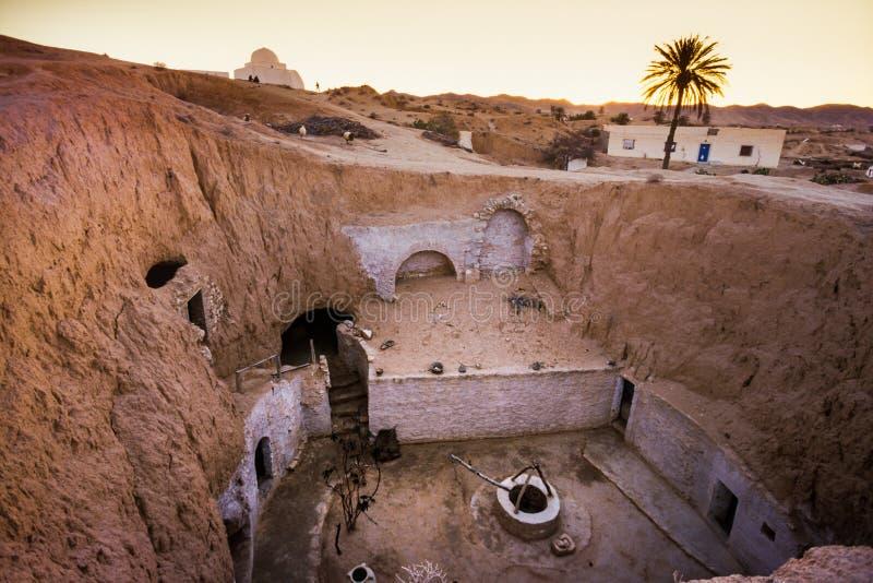 Matmata, Tunesië - Holbewonerwoningen in het Berber-dorp royalty-vrije stock afbeelding
