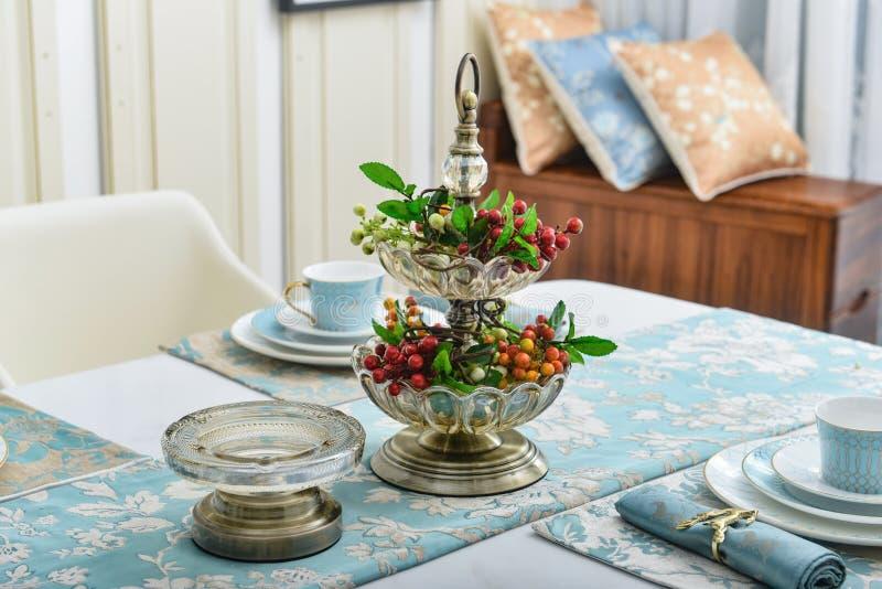 Maträtt för frukt för Dinning rumkristall arkivfoto
