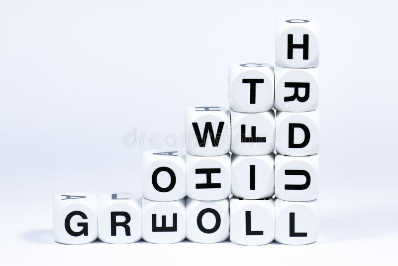 Matrices en lettres définissant la croissance de mot photos stock