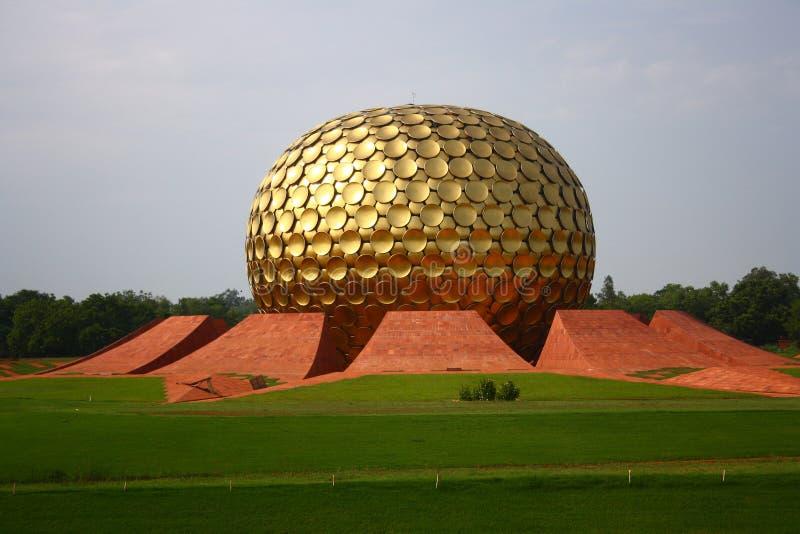 Matrimandir a Auroville, Pondicherry immagini stock