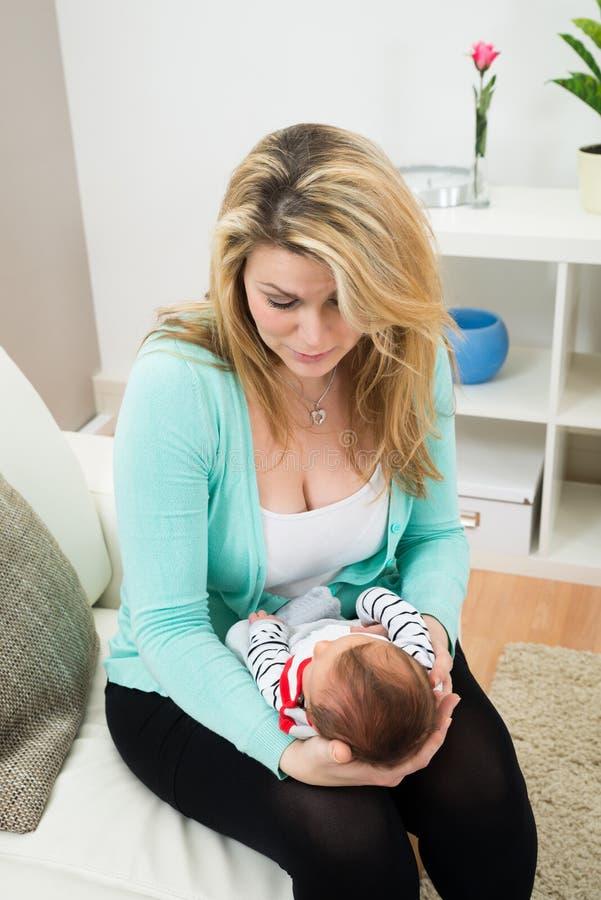 Matriz com o bebê fotos de stock