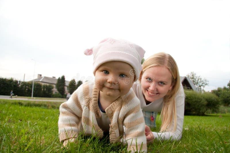 Matriz com sua filha foto de stock