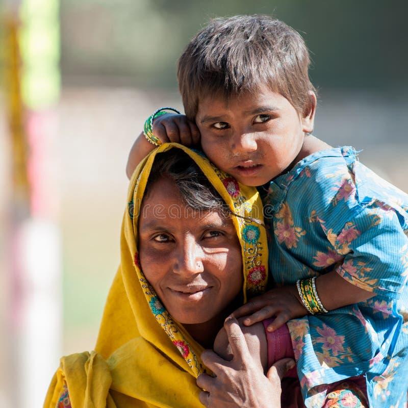 Matriz de Rajasthani com criança fotografia de stock