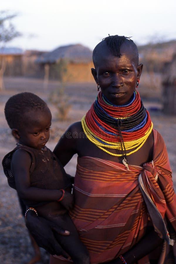 Matriz e criança de Turkana fotografia de stock