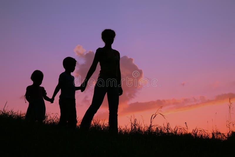 Matriz e crianças imagens de stock