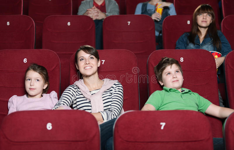 Matriz e crianças no filme foto de stock royalty free