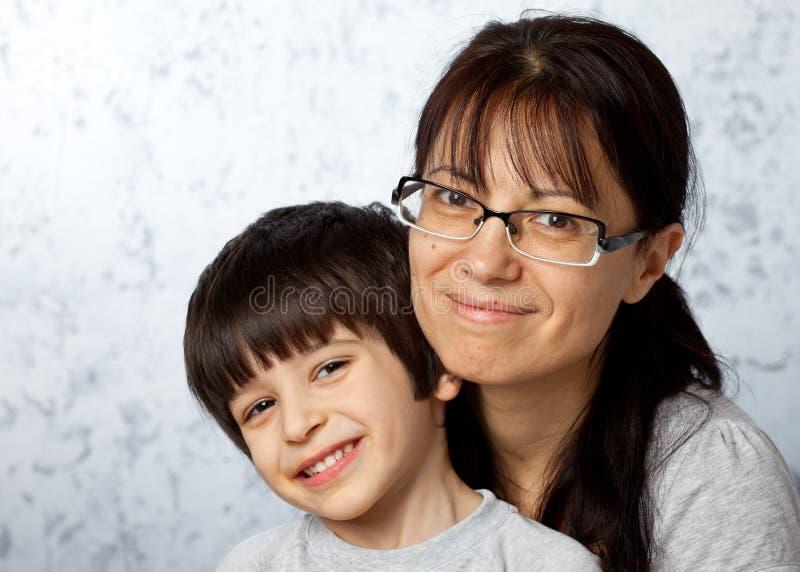 Matriz e filho felizes foto de stock royalty free