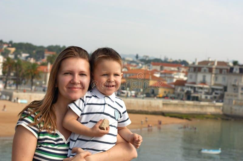 Matriz e filho felizes imagens de stock