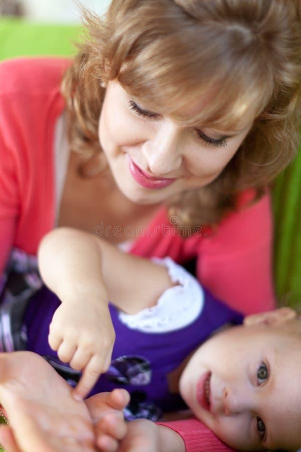 Download Matriz feliz com bebê foto de stock. Imagem de senhora - 26506552
