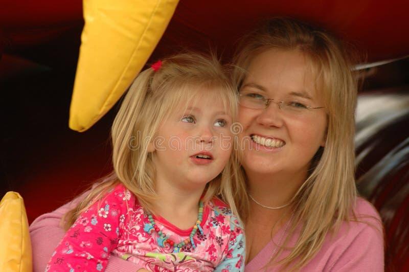 Matriz feliz com filha imagens de stock royalty free