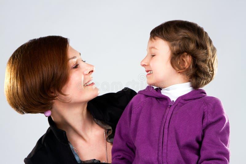 Matriz nova com sua filha foto de stock royalty free