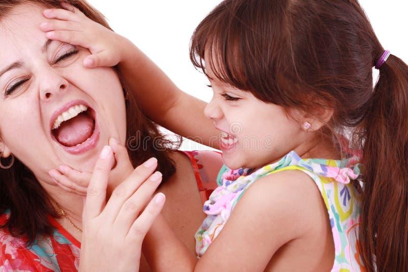 Matriz que joga com sua filha fotografia de stock royalty free