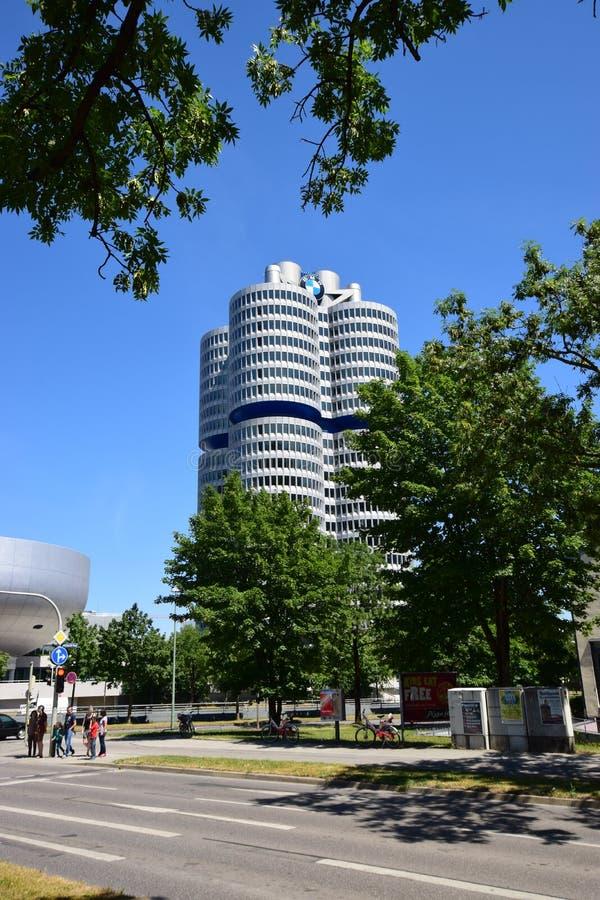 Matrizes da empresa de BMW em Munich, Alemanha fotos de stock