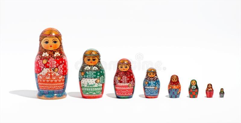 Matryoshka dockor, i rad, i beställning av formatet arkivfoton