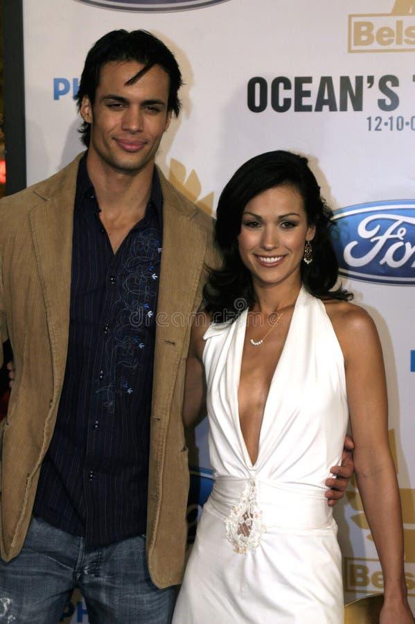 Matt Cedeno och Lauren Alonso royaltyfri fotografi