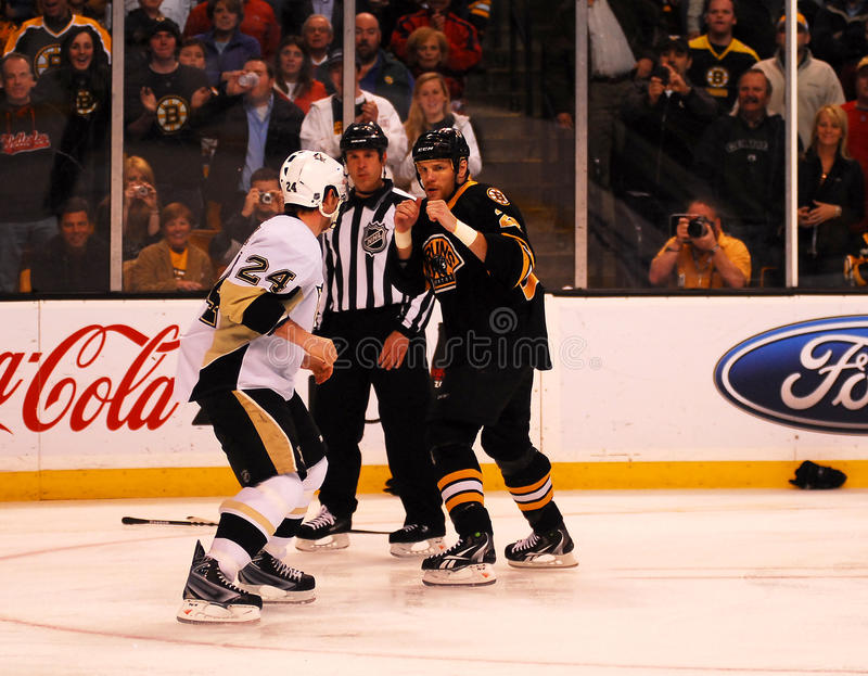 Download Matt Cooke And Shawn Thornton Square Off Editorial Photo - Image: 17918401