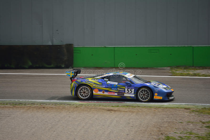 Matteo ' Babalus' Herausforderung Evo Santoponte Ferrari 458 in Monza stockbild