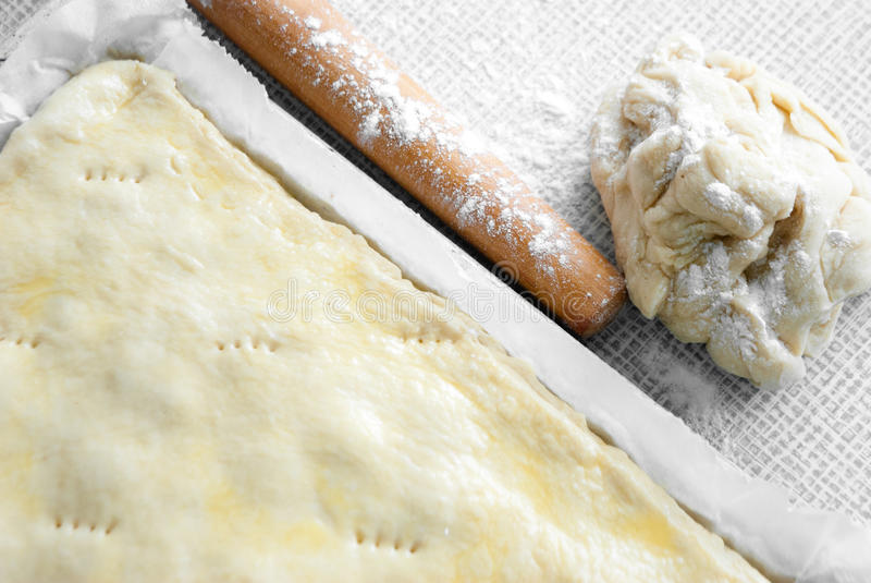 Download Matterello Con Pasta Appena Preparato Fotografia Stock - Immagine di perno, casalingo: 30831962