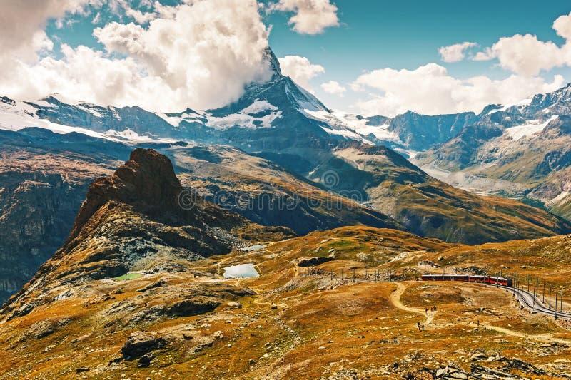 Matterhorn που καλύπτεται με τα σύννεφα στοκ φωτογραφίες