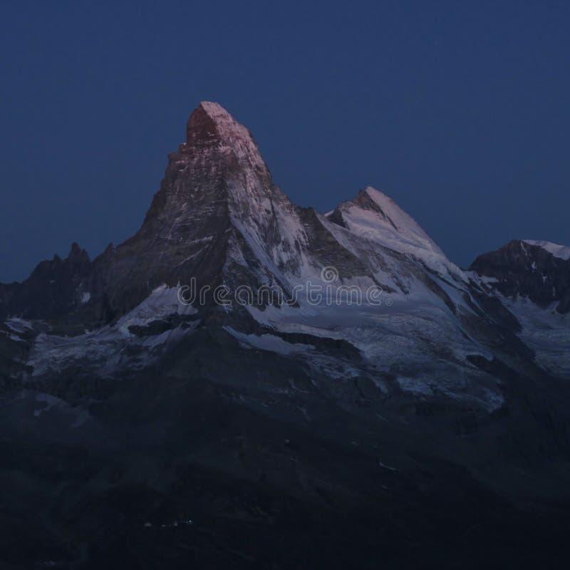 Matterhorn dans la lumière de lune photographie stock libre de droits