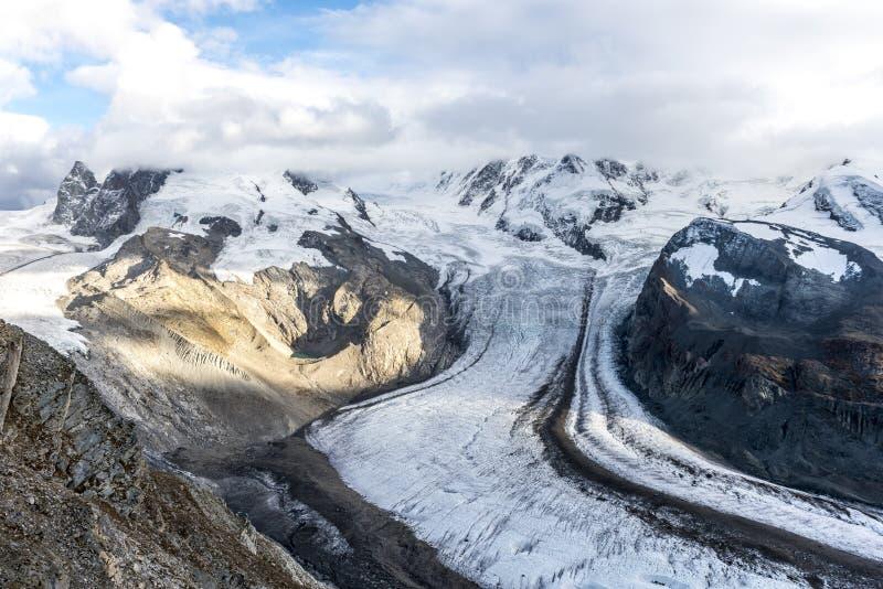 matterhorn glaciärparadis arkivbild