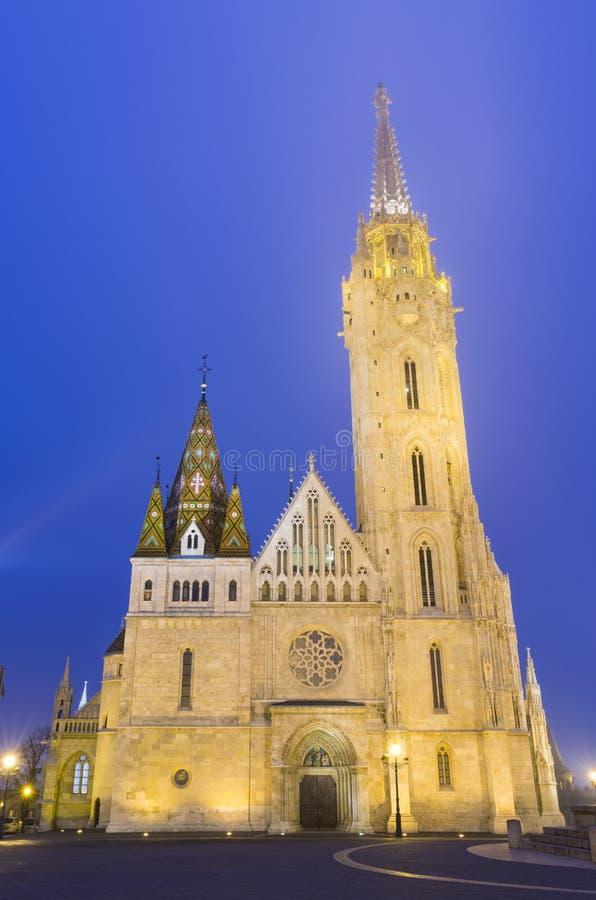 Matthias Church At Night em Buda Castle imagens de stock