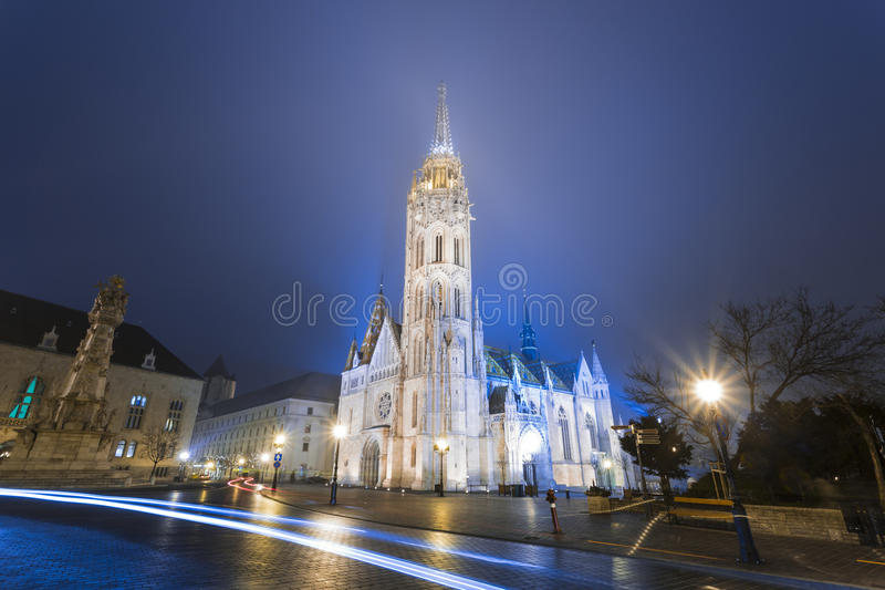 Matthias Church At Night em Buda Castle fotos de stock royalty free