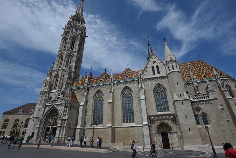 Matthias Church op het Kasteelheuvel van Boedapest stock afbeeldingen