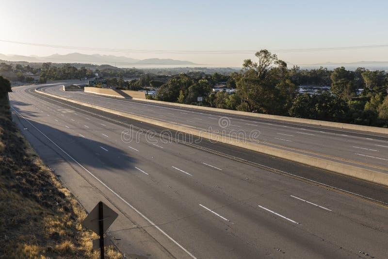 Mattina chiusa dell'autostrada senza pedaggio di dieci vicoli immagini stock libere da diritti