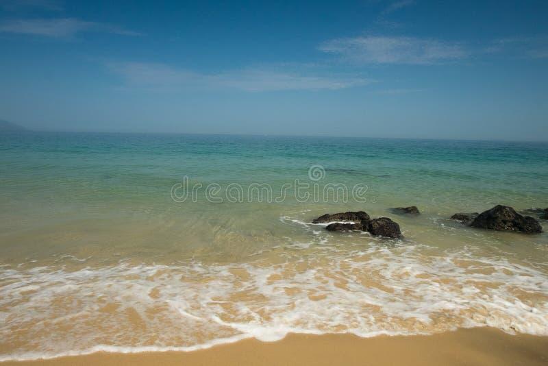 Mattina di estate alla spiaggia di Punta Negra immagine stock libera da diritti
